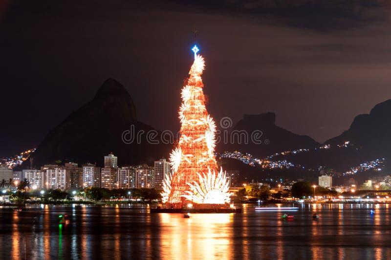 Estructura arborescente de árbol de navidad en Rio de Janeiro imagen de archivo
