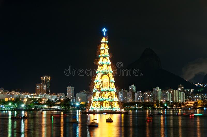 Estructura arborescente de árbol de navidad en Rio de Janeiro foto de archivo libre de regalías