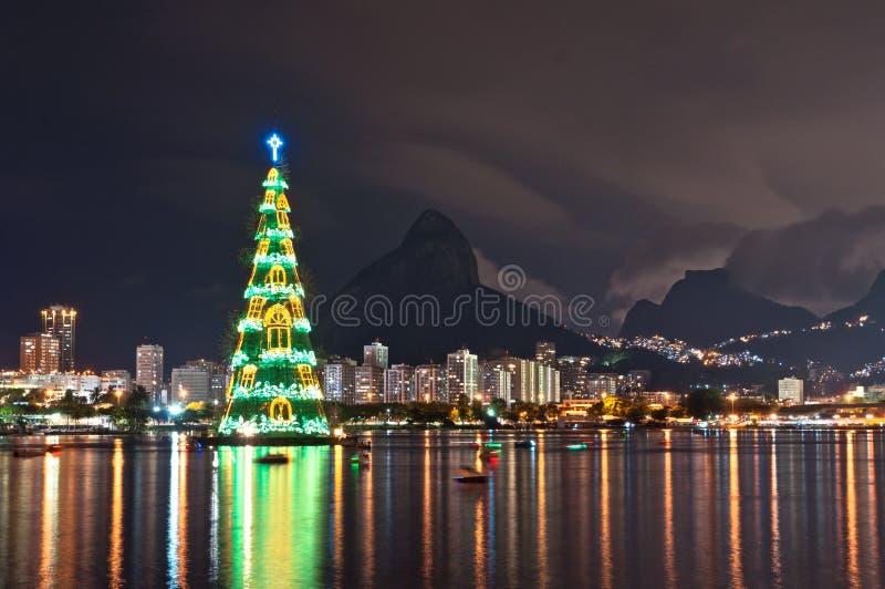Estructura arborescente de árbol de navidad en Rio de Janeiro fotos de archivo libres de regalías