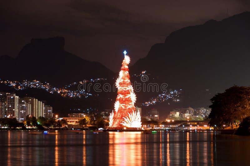 Estructura arborescente de árbol de navidad en Rio de Janeiro imágenes de archivo libres de regalías