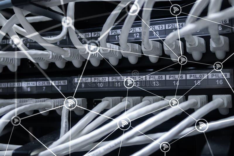 Estructura del extracto de la red de los Wi fi en fondo moderno del sitio del servidor fotos de archivo