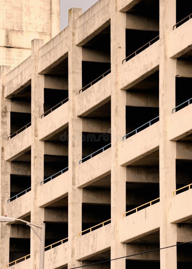 Estructura del garage de estacionamiento foto de archivo libre de regalías