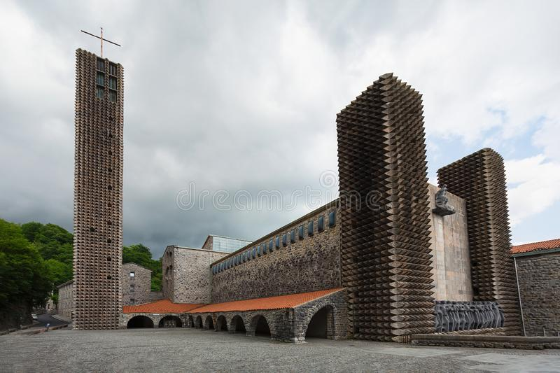 Estructura del monasterio de Aranzazu por Chillida y Oteiza foto de archivo