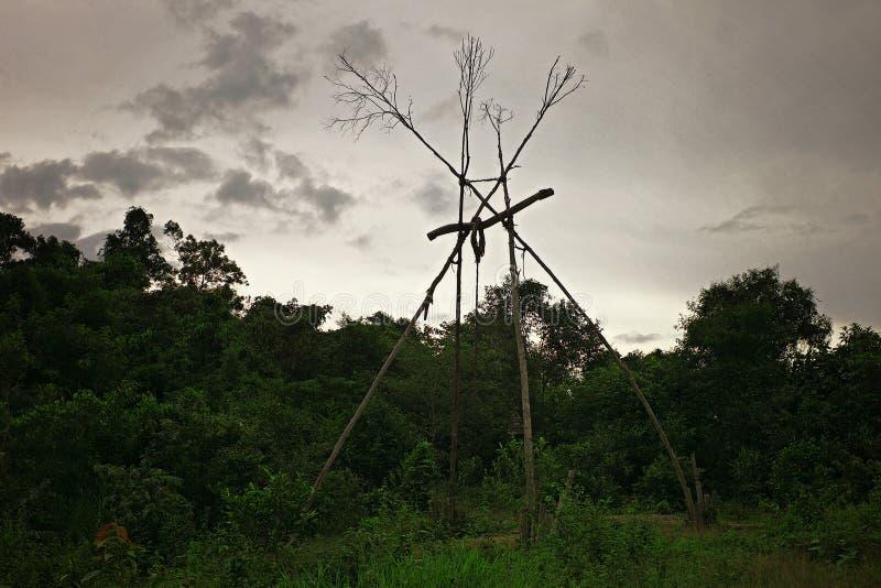 estructura tribal del tótem usada para la protección contra malas bebidas espirituosas imágenes de archivo libres de regalías