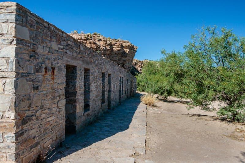 Estructuras abandonadas de la roca del hotel foto de - Bater roca precios ...