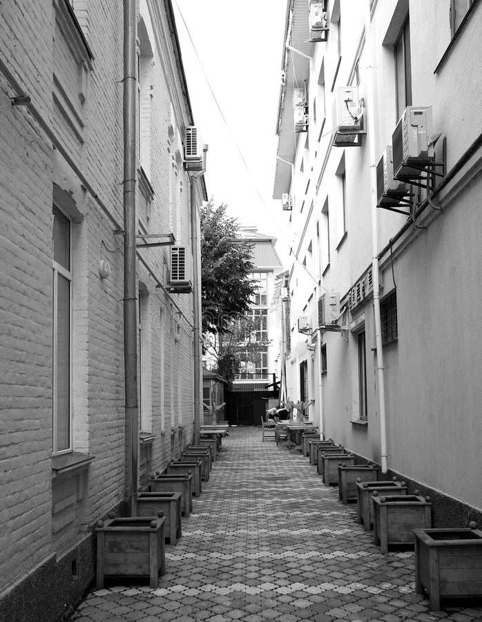 estructuras y elementos arquitectónicos de edificios en la ciudad imagenes de archivo