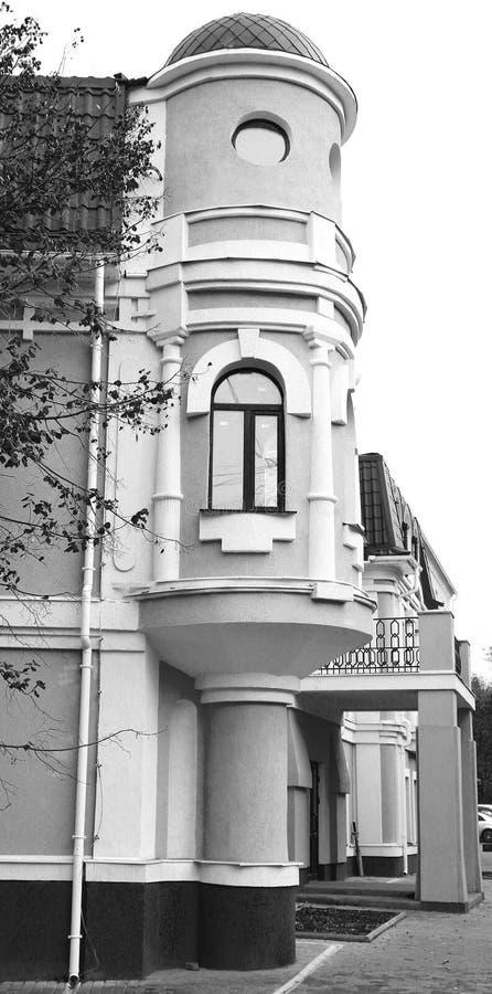 estructuras y elementos arquitectónicos de edificios en la ciudad foto de archivo