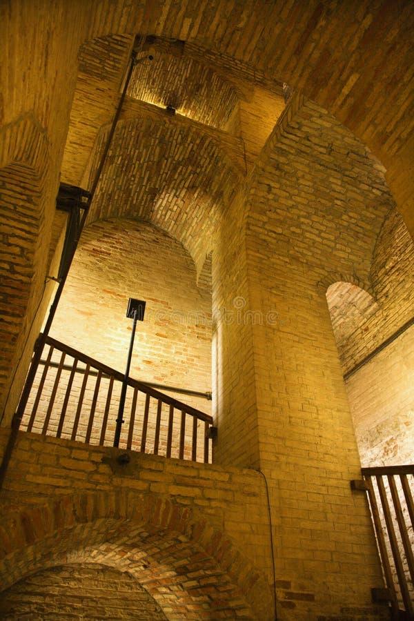Estrutura da alvenaria com arcos. fotos de stock