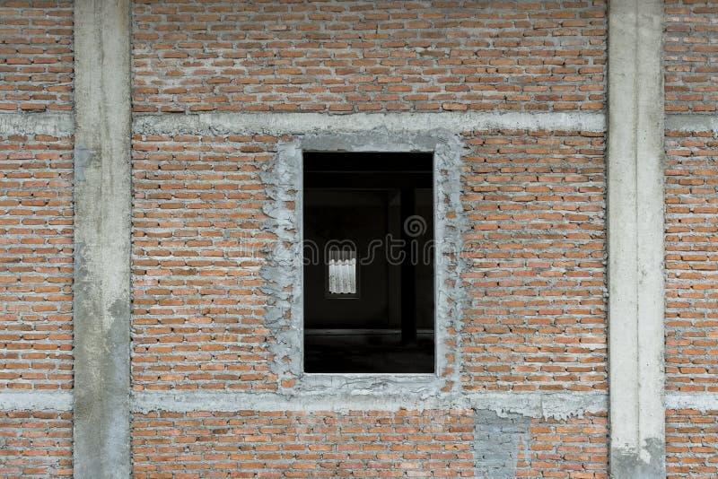 A estrutura de construção do tijolo vermelho é frágil imagens de stock royalty free