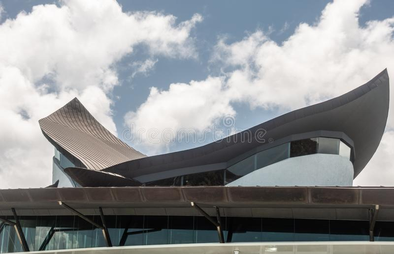 Estrutura de telhado da casa icónica do yacht club, Hamilton Island, Austrália fotografia de stock royalty free