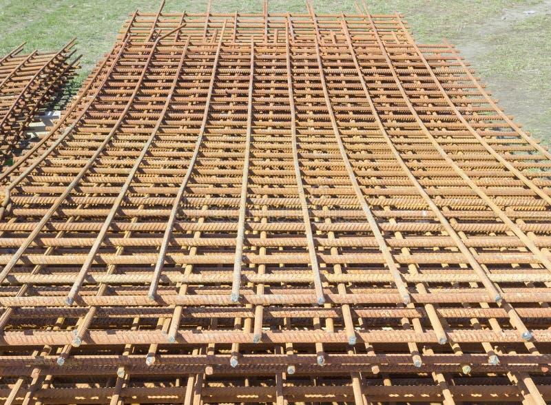 Estrutura do aço de reforço para a fabricação de co concreto fotografia de stock