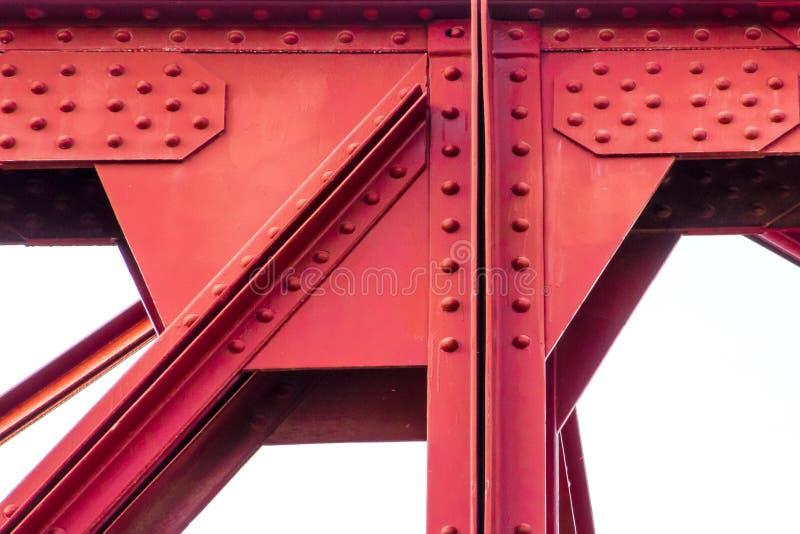 Estrutura do ferro de uma ponte vermelha imagem de stock