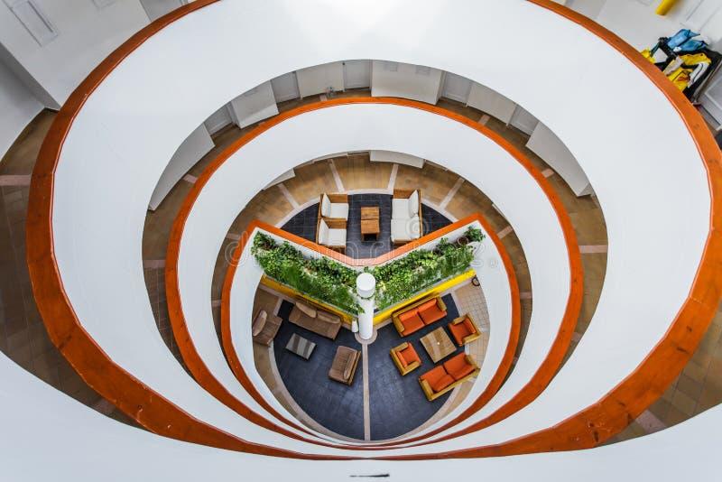 Estrutura interior do hotel do aquário de Decameron fotografia de stock royalty free
