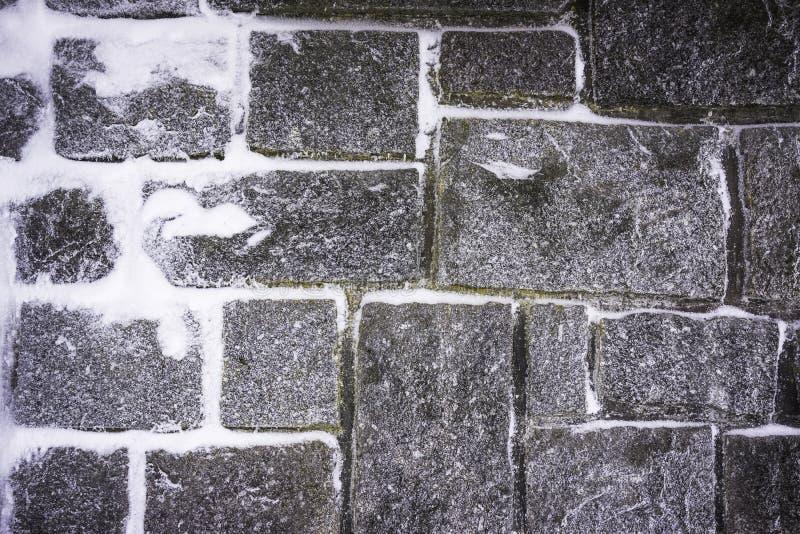 Estrutura nevado da parede de pedra imagens de stock royalty free