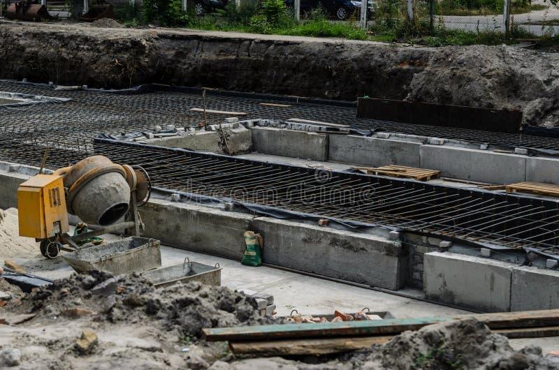 Estrutura para a fundação da construção foto de stock