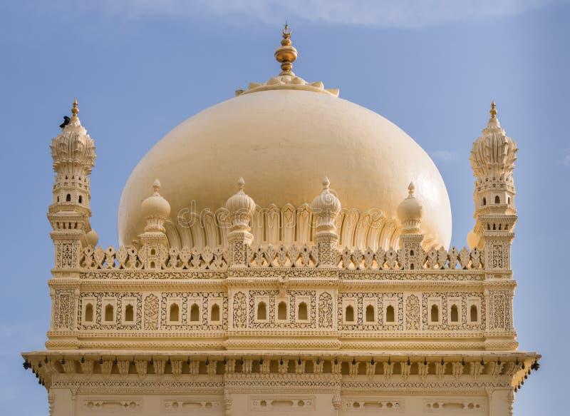 Estrutura superior Tipu Sultan Mausoleum, Mysore, Índia fotos de stock royalty free