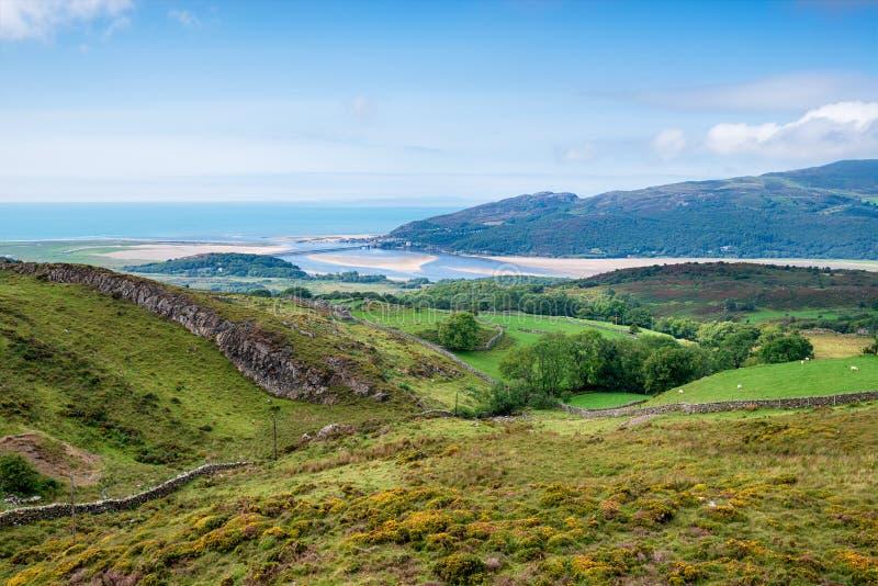 Estuário de Barmouth em Gales imagem de stock