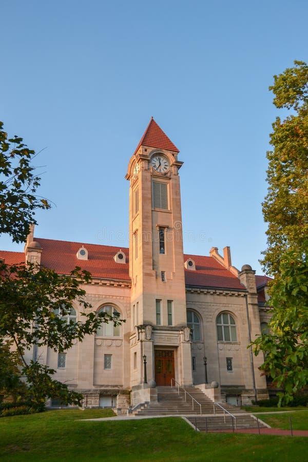 Estudante Building em Indiana University imagem de stock