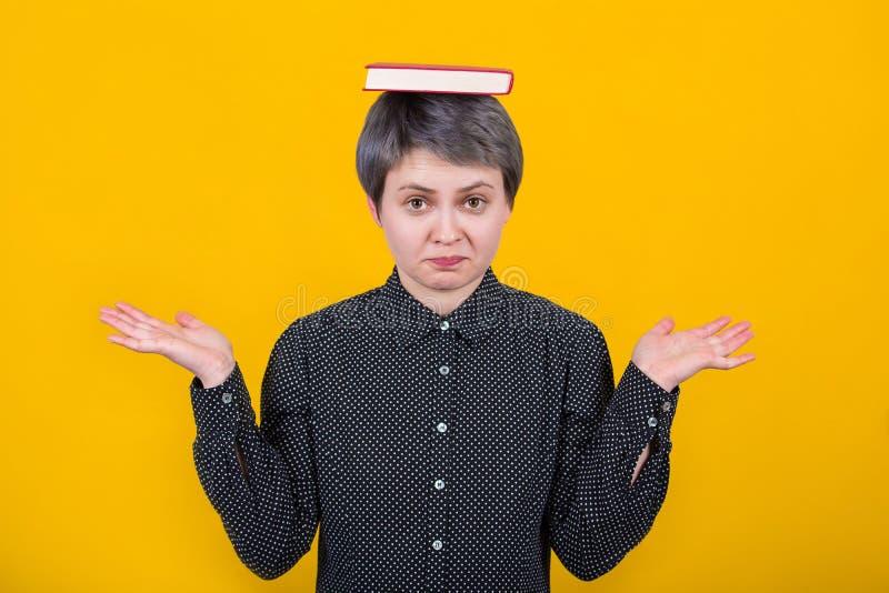 Estudante de mulher confuso fotografia de stock