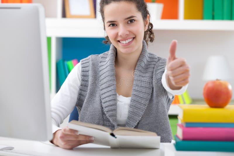 Estudante do adolescente do sucesso foto de stock royalty free