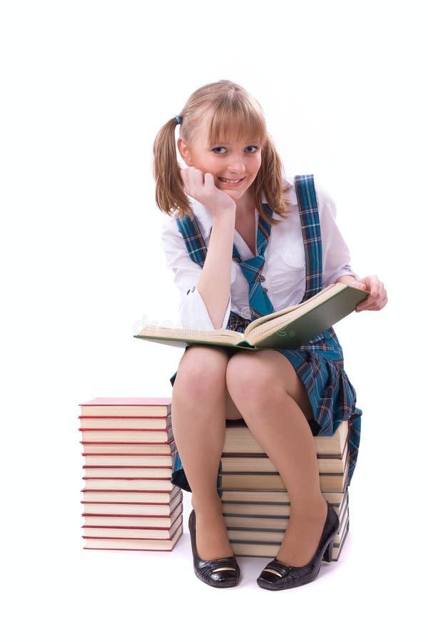 A estudante está lendo. fotografia de stock