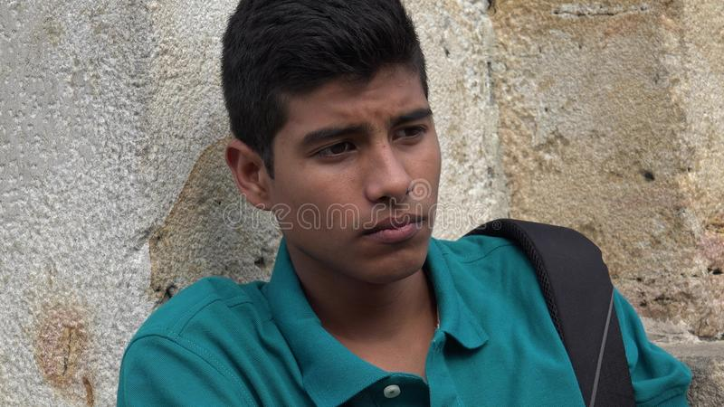 Estudante masculino adolescente triste e só fotografia de stock royalty free