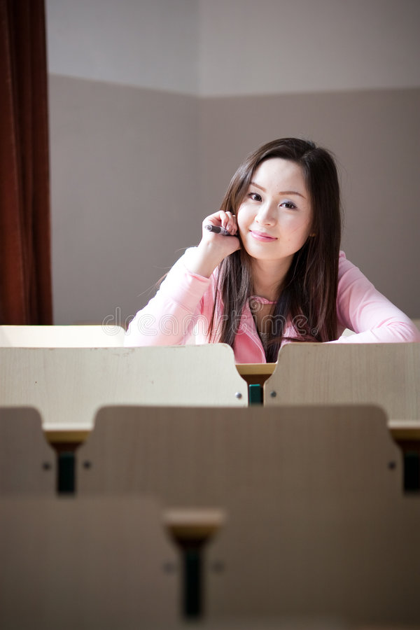 Estudante na sala de aula fotografia de stock royalty free