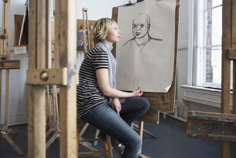 Estudante pensativo By Charcoal Portrait fotografia de stock