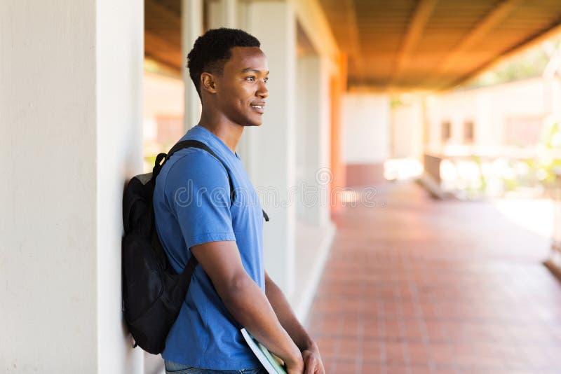 Estudante universitário africana pensativa imagens de stock royalty free