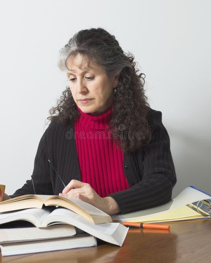 Estudante universitário maduro imagens de stock