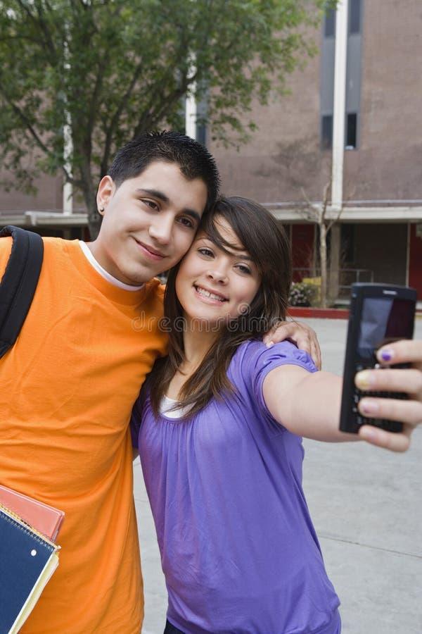 Estudantes da High School que tomam o autorretrato foto de stock royalty free