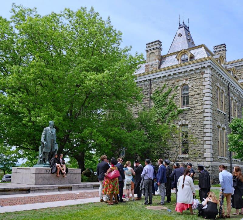 Estudantes de gradua??o em Cornell University fotos de stock
