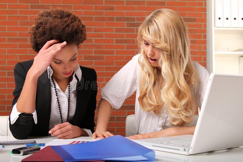 Estudantes fêmeas imagem de stock