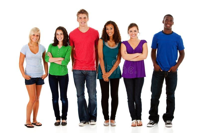 Estudantes: Grupo Multi-étnico de estudantes adolescentes imagens de stock royalty free