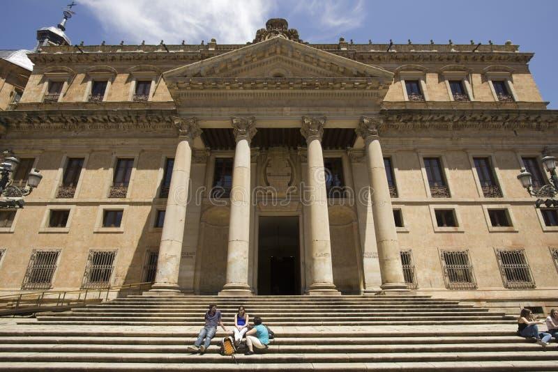 Estudantes na universidade de Salamanca na Espanha fotos de stock