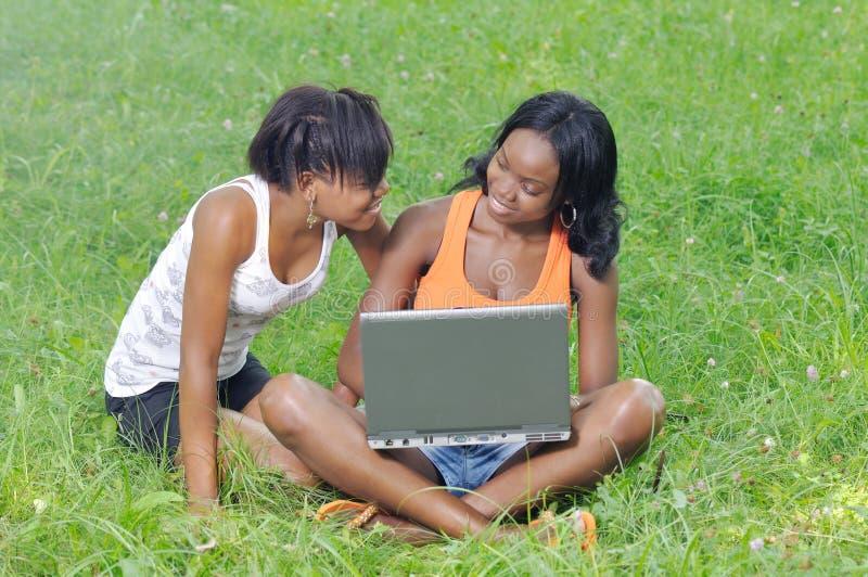 Estudantes que têm o divertimento fotos de stock