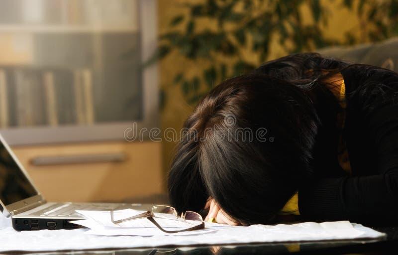 Estudiante cansado imagenes de archivo