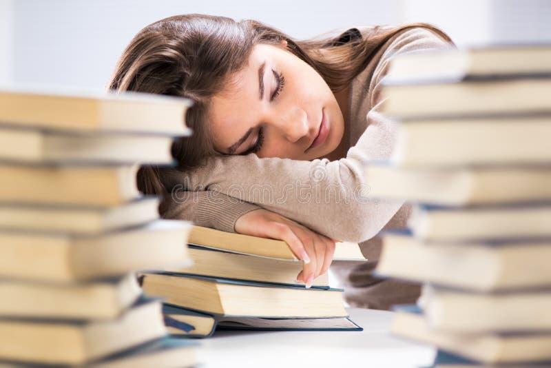 Estudiante cansado imágenes de archivo libres de regalías