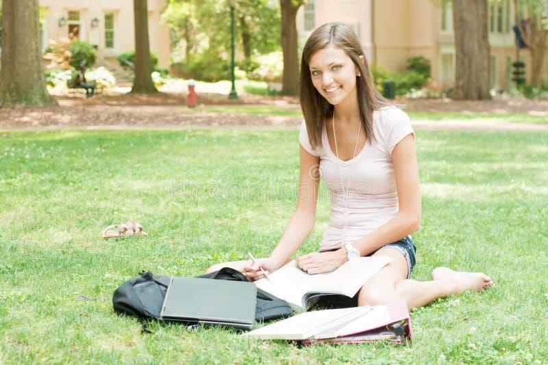 Estudiante joven atractivo fotografía de archivo libre de regalías