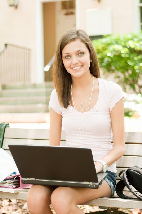 Estudiante joven atractivo imagenes de archivo