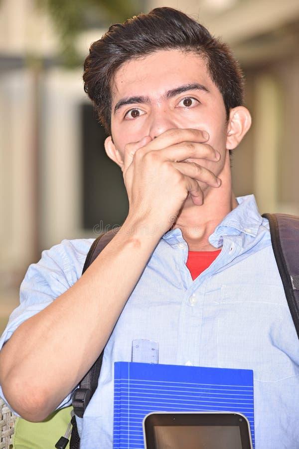 Estudiante masculino avergonzado foto de archivo libre de regalías