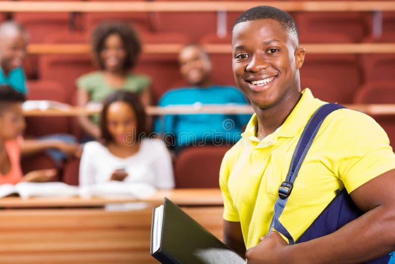 Estudiante universitario afroamericano fotos de archivo