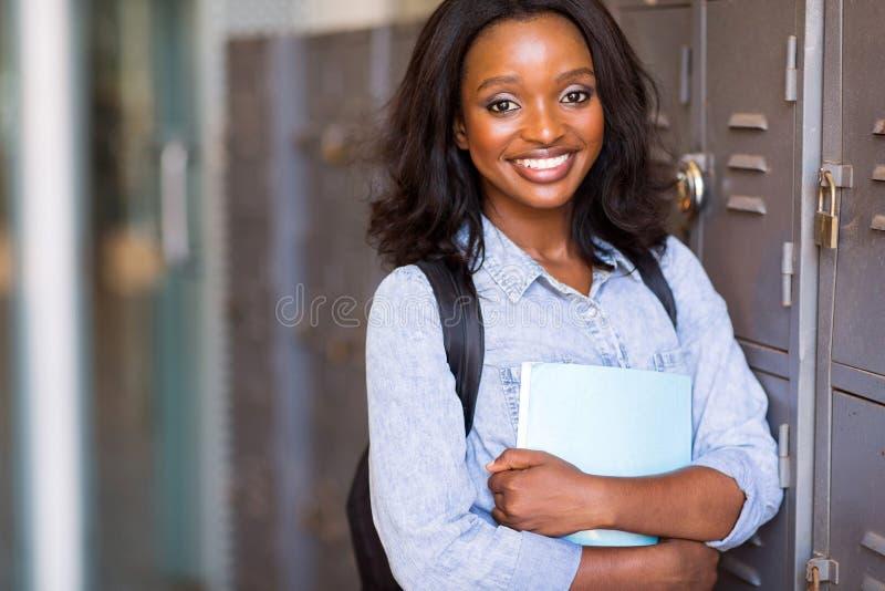 Estudiante universitario afroamericano fotos de archivo libres de regalías