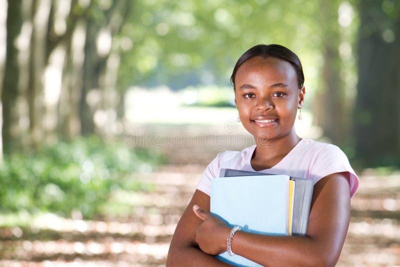 Estudiante universitario del afroamericano foto de archivo