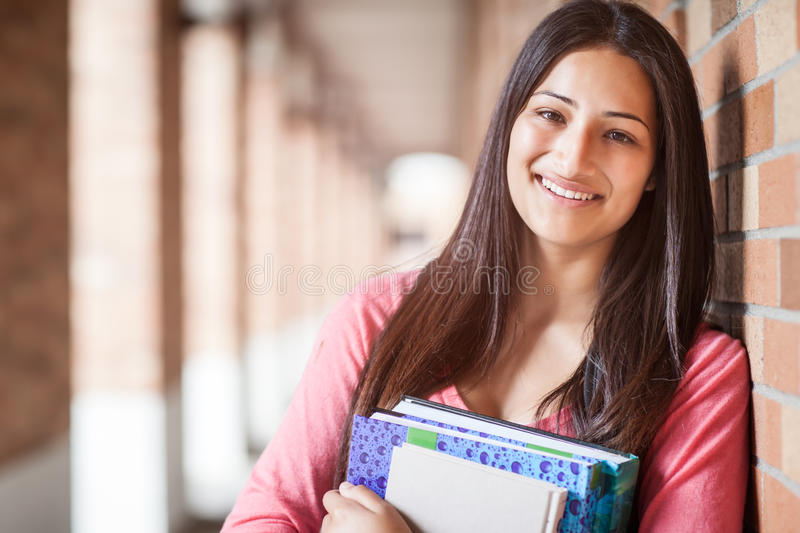 Estudiante universitario hispánico fotos de archivo