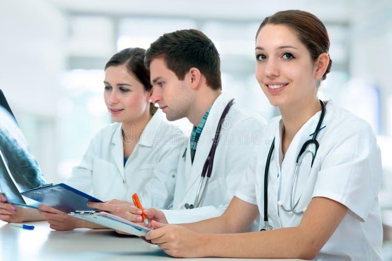 Estudiantes de medicina imagen de archivo