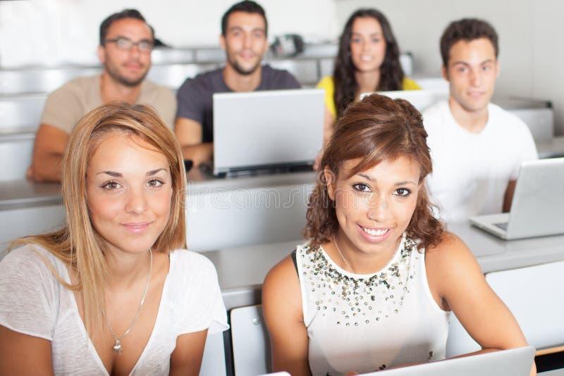 Estudiantes en clase fotos de archivo libres de regalías