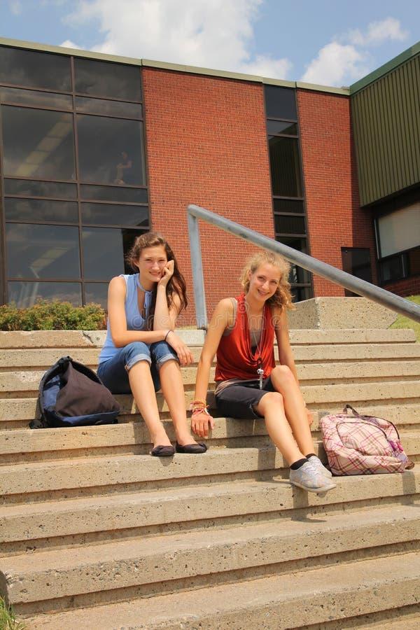 Estudiantes en la escuela imagen de archivo