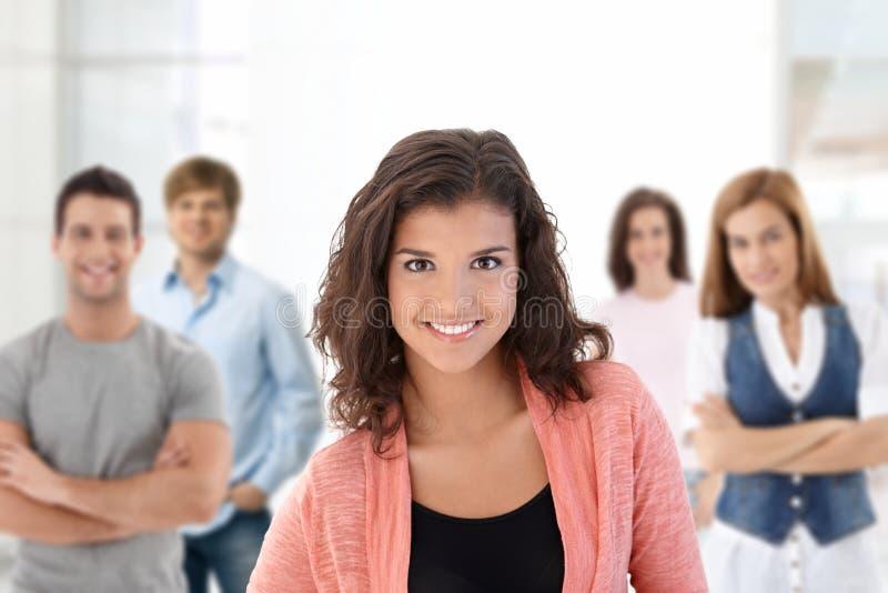 Estudiantes universitarios felices imagen de archivo