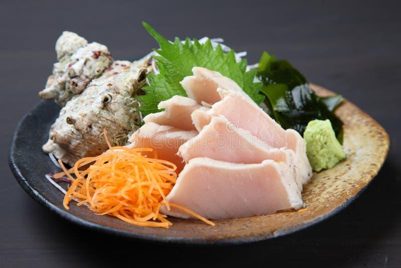 Estudio ascendente cercano tirado del sashimi del atún de albacora fotos de archivo